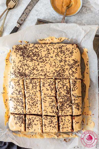czekoladowe ciasto z kremem kajmakowym