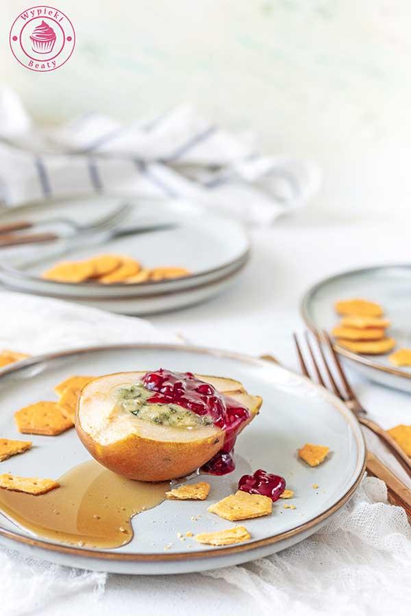 gruszki z serem i borówką