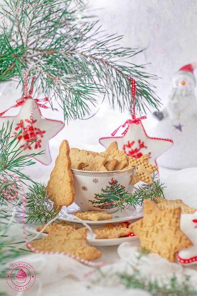 orzechowe ciasteczka z mielonymi orzechami laskowymi
