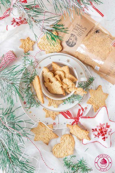 kruche ciasteczka z mielonymi orzechami laskowymi