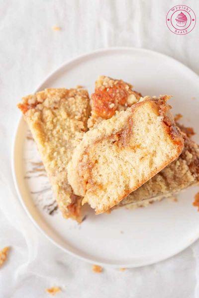 ciasto drożdżowe z karmelem i kruszonką