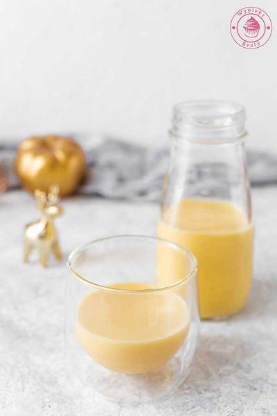 pomarańczowy likier z żółtkami