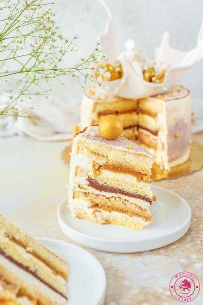 tort z karmelem i orzechami