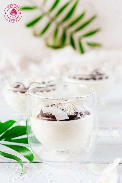 sernik kokosowy z polewą czekoladową